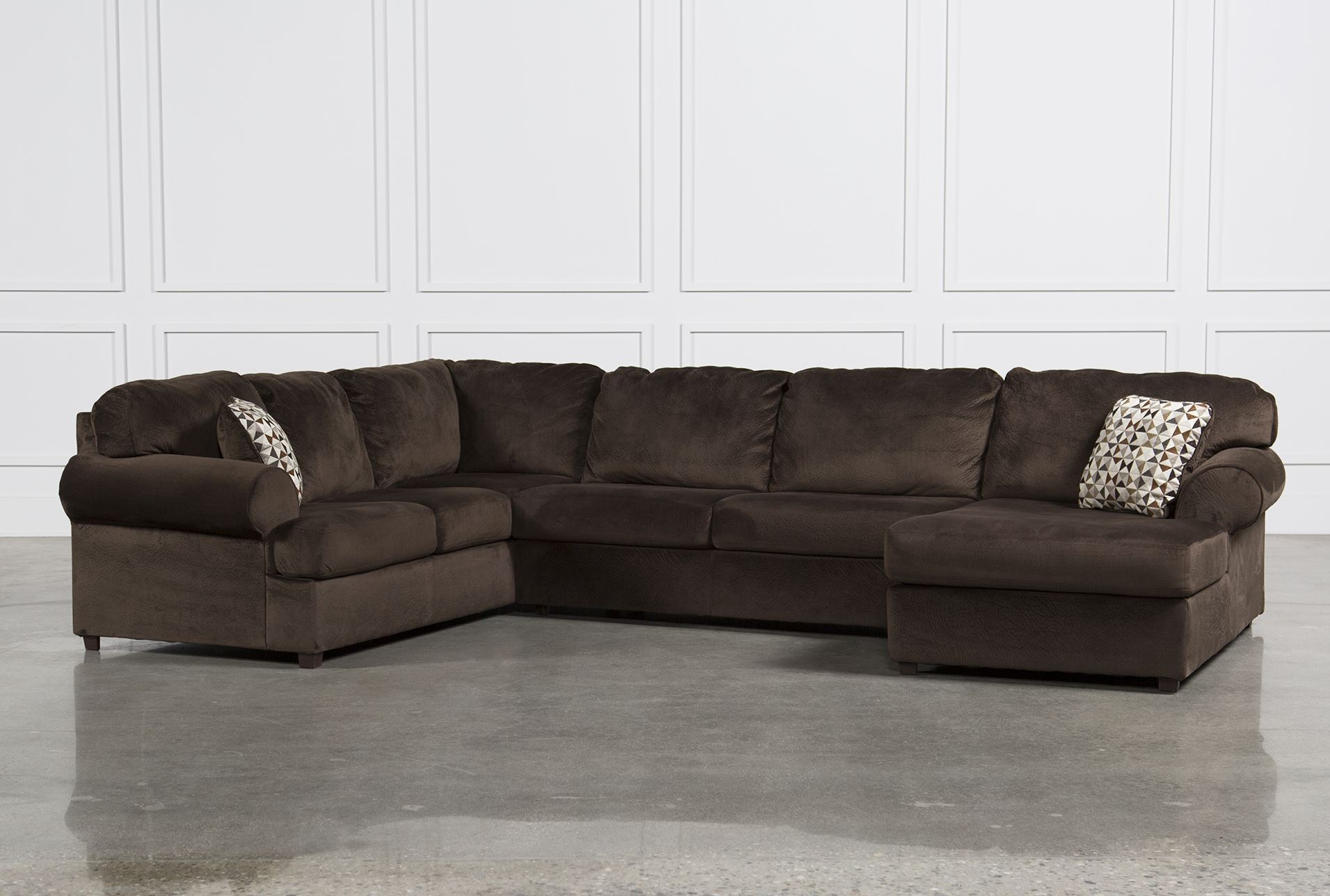 Jessa place chocolate 3 piece sectional w raf chaise for Living spaces couches